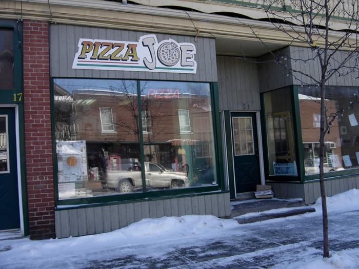 pizza-joe-pizzeria-bedford-quebec-canada